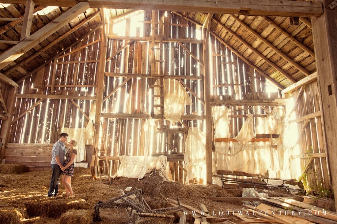 rustic_barn_engagement_photo